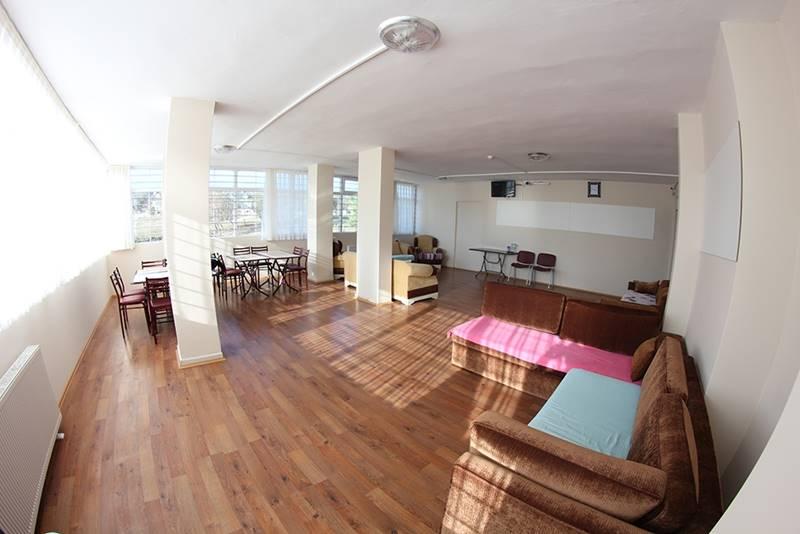 ozel-yildiz-bakim-merkezi-dinlenme-salonu