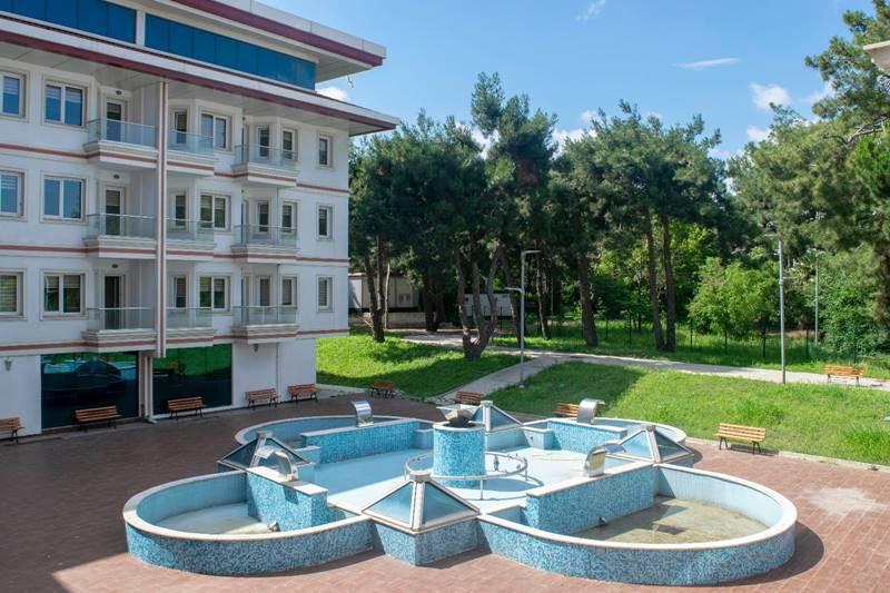 Vahide-Sultan-Huzurevi-ve-Yasli-Bakim-Merkezi-Bahce