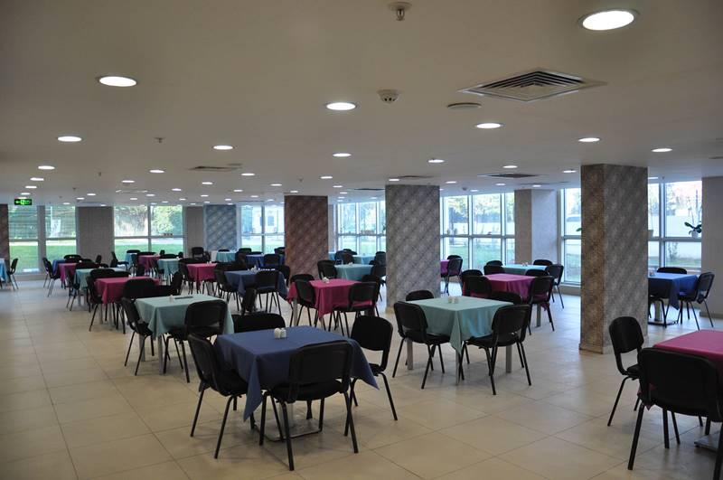 Vahide-Sultan-Huzurevi-ve-Yasli-Bakim-Merkezi-cafe-salonu