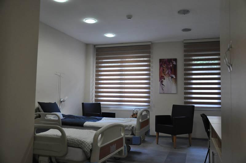 Vahide-Sultan-Huzurevi-ve-Yasli-Bakim-Merkezi-hasta-bakim-odasi-iki-kisilik