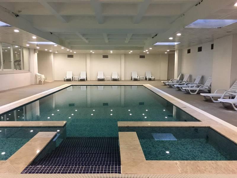 Vahide-Sultan-Huzurevi-ve-Yasli-Bakim-Merkezi-yuzme-havuzu
