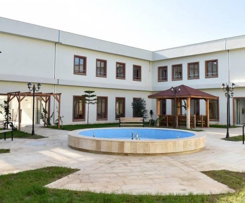 Kepez-Belediyesi-sefkat-ve-Huzurevi-bahce
