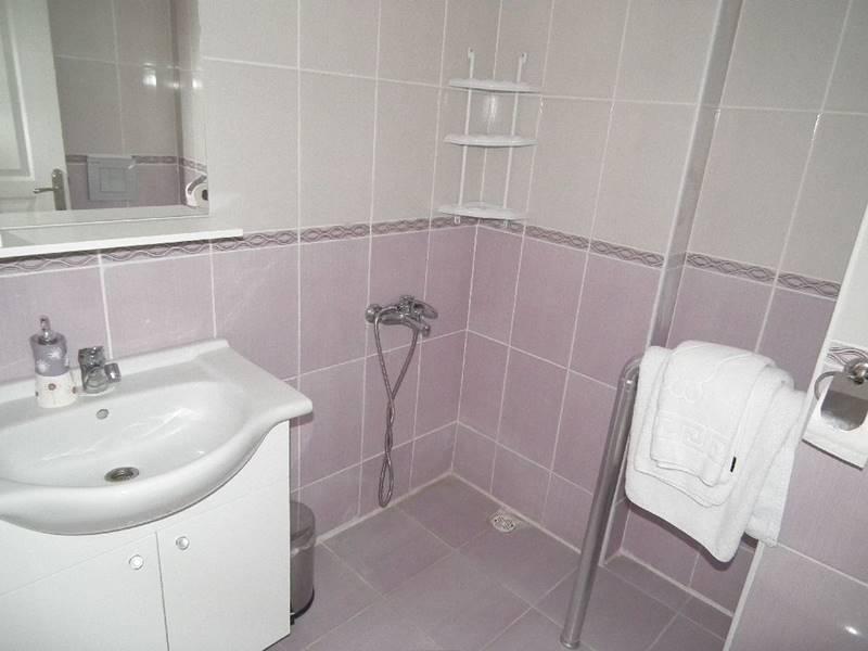 goksel-yasli-bakim-merkezi-banyo
