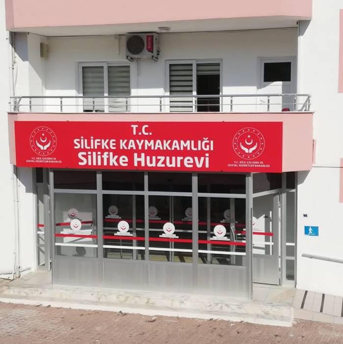 silifke-huzurevi-giris