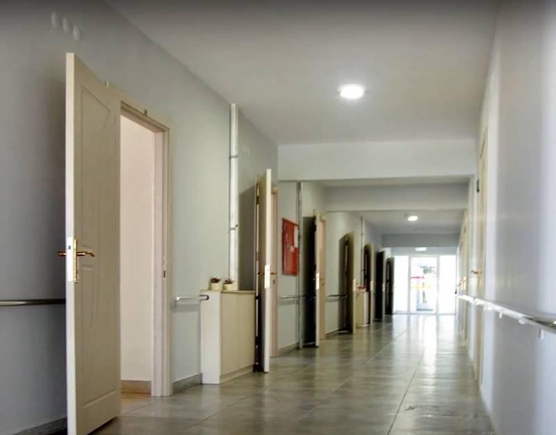 ozel-Guzide-Bakim-Merkezi-koridor