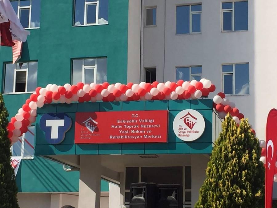 Halis-Toprak-Huzurevi-Yasli-Bakim-ve-Rehabilitasyon-Merkezi