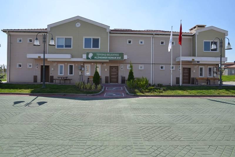 Tepebasi- Belediyesi- Alzheimer-Konukevi-giris