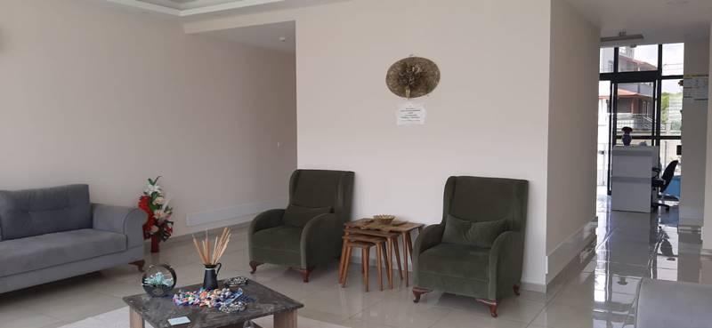 ozel-Mersin-Alya-Yasli-Bakim-Merkezi-dinlenme-salonu