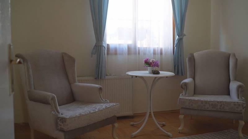 Guleryuz-Huzurevi-ve-Yasli-Bakim-Merkezi-oda-2
