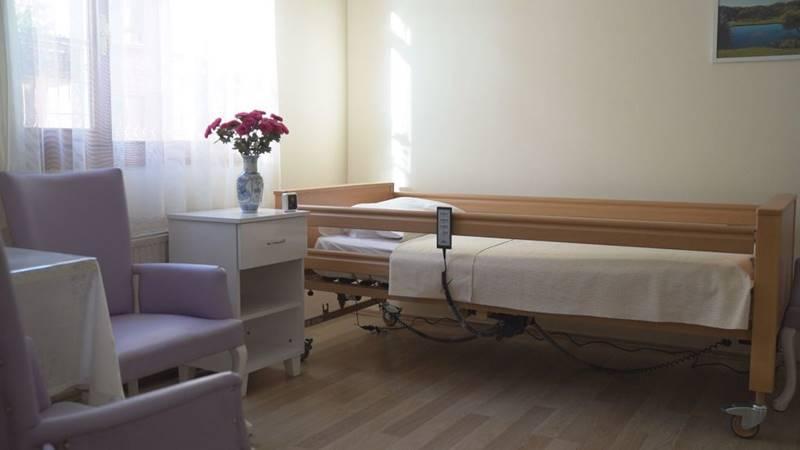 Guleryuz-Huzurevi-ve-Yasli-Bakim-Merkezi-oda