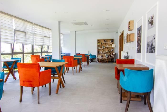 izmir-Melmira-Bakim-Merkezi-kafeterya
