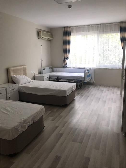 izmir-ozel-Nefes-Huzurevi-ve-Yasli-Bakim-Merkezi-oda2